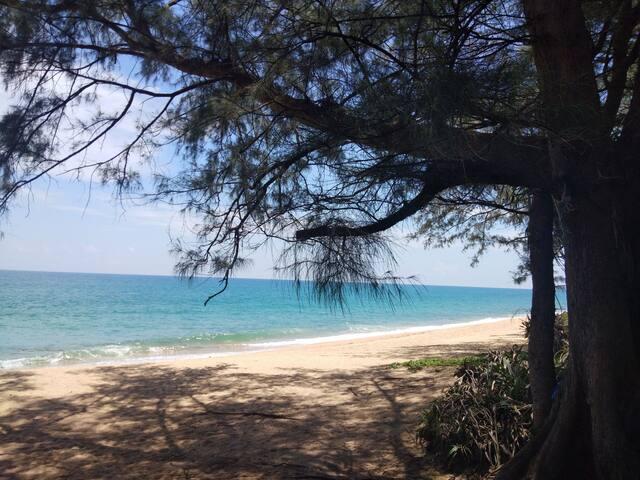 Mai Khao Beachfront Paradise 2BDR 150sqm Transfer