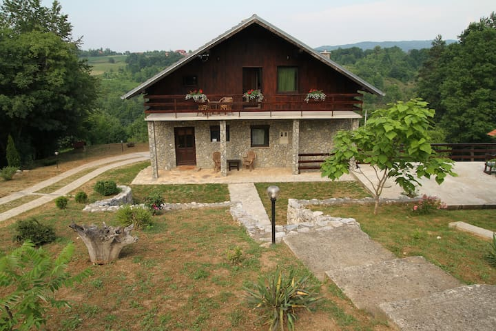 Guest House Iva- 2 bedroom apt - Slunj - Hus