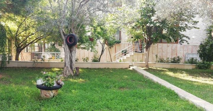 Kazdağlarında Müstakil Bahçeli Villa