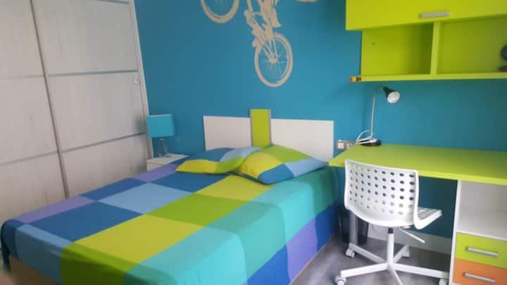 Habitación doble con baño privado en el centro!