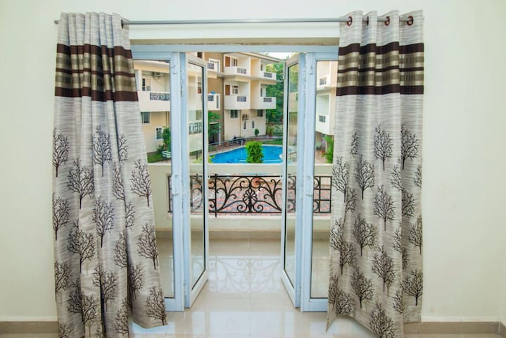 Beautiful 2 Bed Flat with Swimming Pool -South Goa