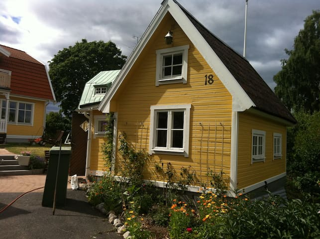 Quaint cottage near Sthlm center  - Stockholm - Cabin