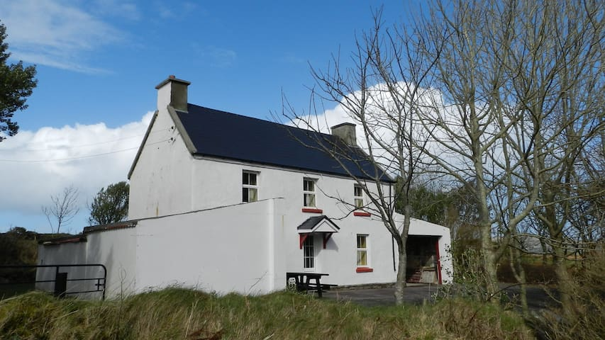 John Joe's Farmhouse Skellig Ring Portmagee