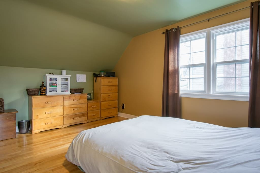 Bedroom - furniture and paint will be changed