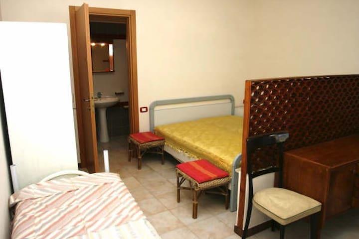Affitto monolocale 2 posti letto  - Triscina - Huoneisto