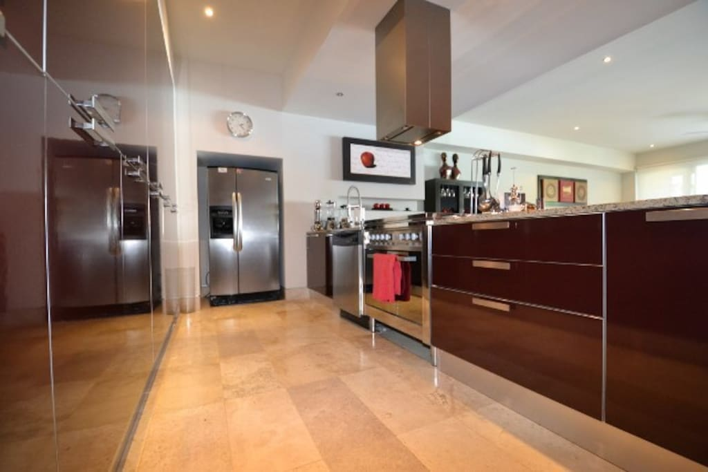 Fully equipped kitchen with Italian modern design