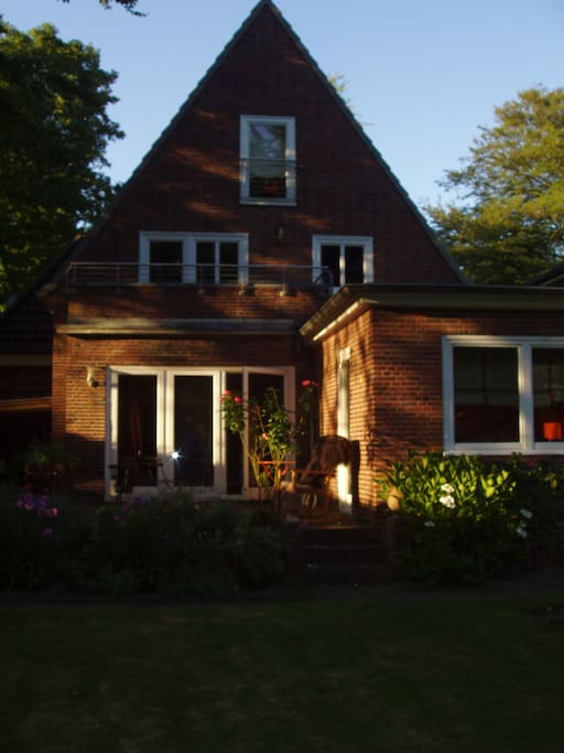Gem 252 Tliches Zimmer In Blankenese Houses For Rent In
