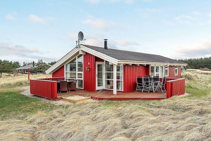 Welcoming Holiday Home in Hirtshals with Sauna