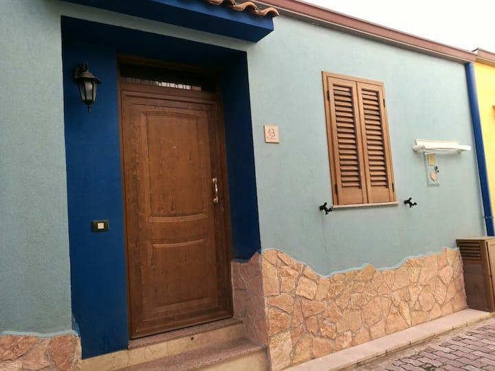 La piccola casa Blu!