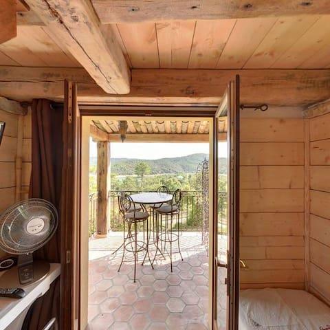 Chambre familiale aux gites du lac.