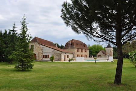 Domaine de l'Asenon Lou Blat - Causse-et-Diège - Apartament