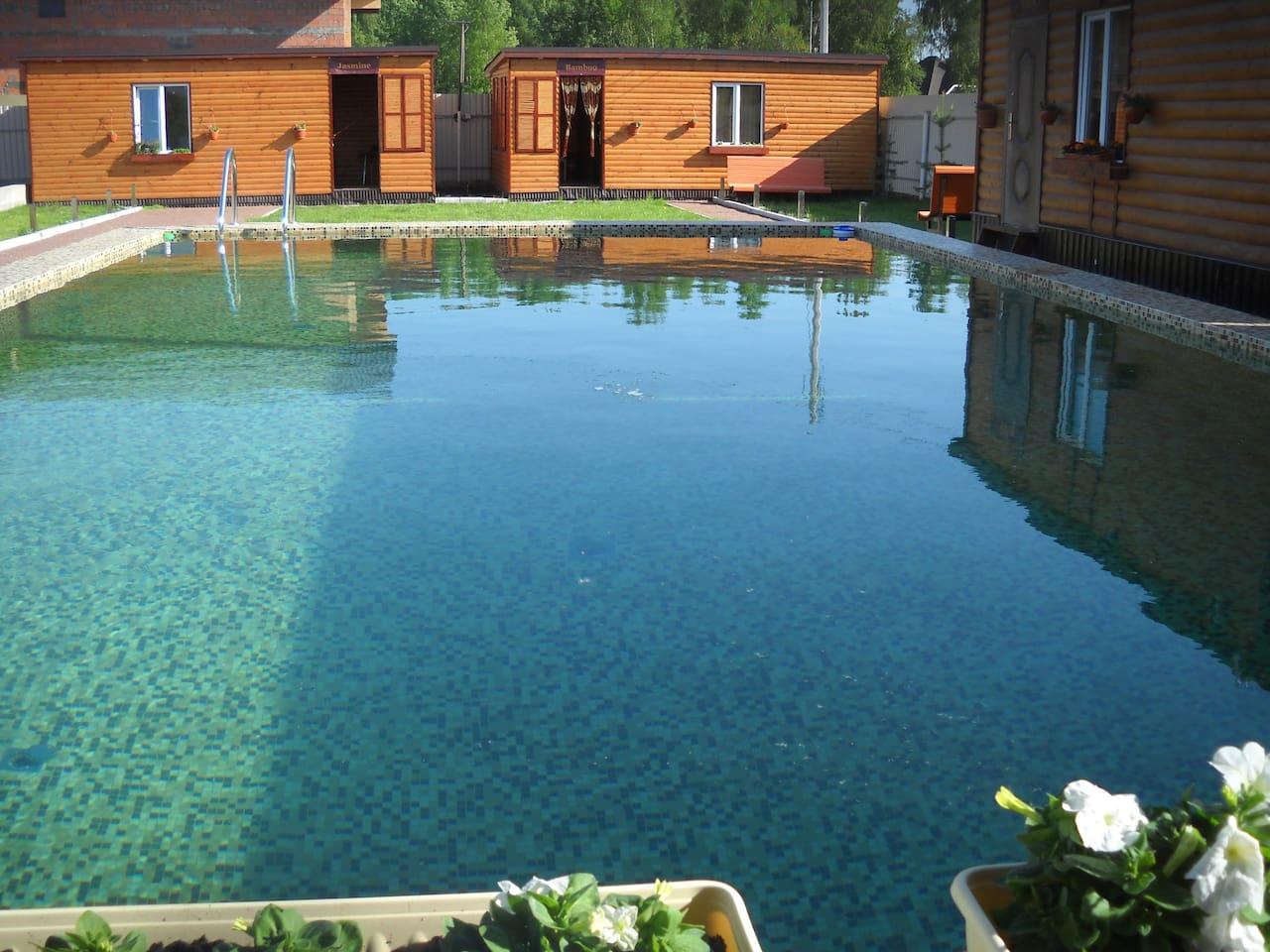 Бунгало 1 с видом на бассейн