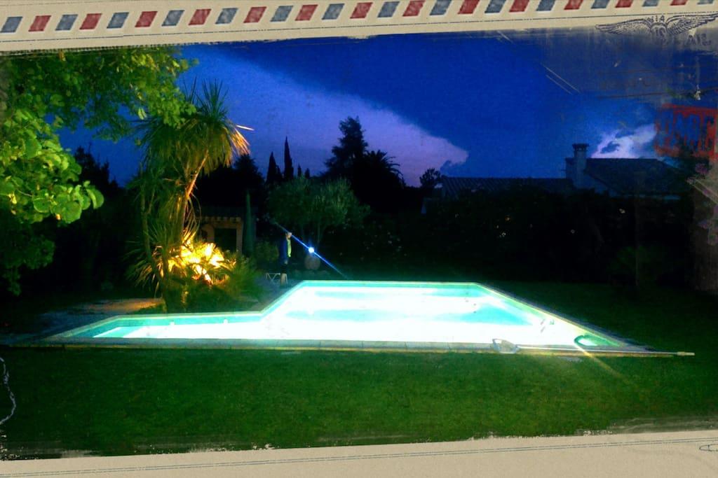 Vue piscine et Jardin, un véritable havre de paix
