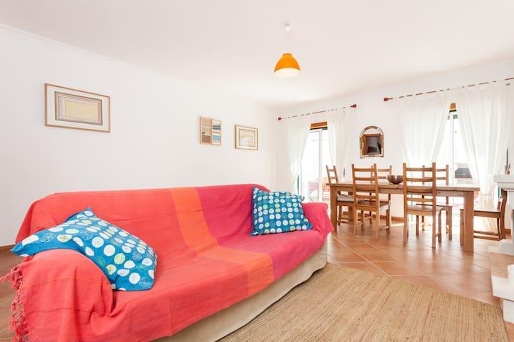 Cosy apartment near beautiful beach - Bordeira - Apartemen