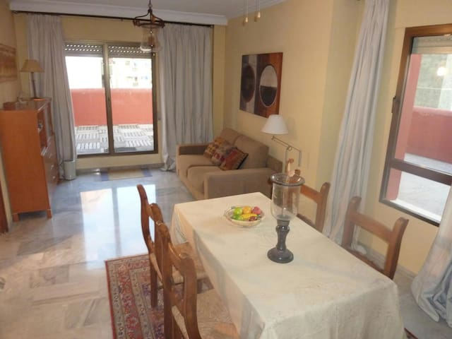 lovely top floor flat in town centr - Algeciras - Appartement
