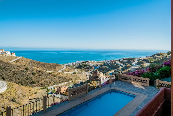 Amazing views 4 bed townhouse - Torrox - Huis