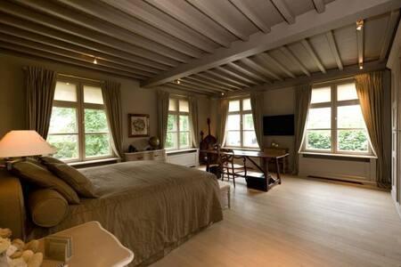 """Fantastic house in the """"Heart"""" of Bruges - Brugge"""