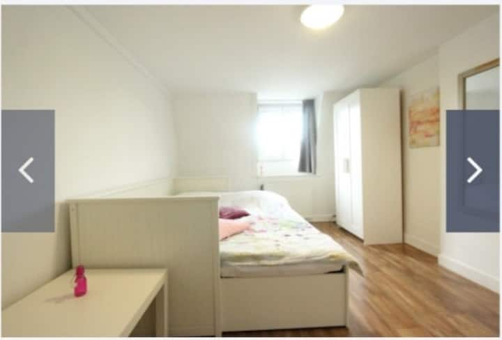 Nice fully furnished room close to centre