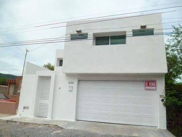 Casa 4 Recámaras, Incluye Servicios - Ciudad Victoria - Haus