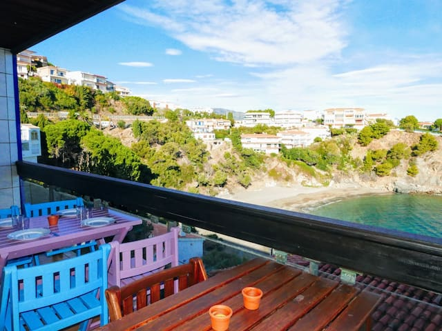 109 Rent Spectacular Apartment sea views next to the beach with terrace