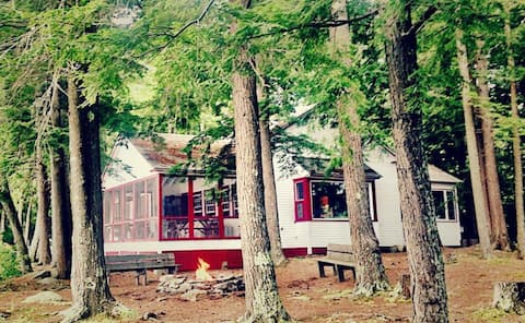 Classic Lakefront Maine Cabin