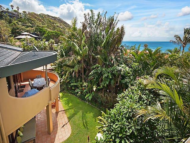 Beachbound Two - 3BR Wategos Beach villa