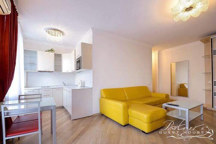 Stylish & Cozy Single Bedroom Apartment on Maidan