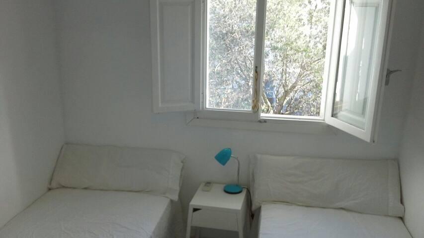 Habitación a 1km del aeropuerto - Sant Josep de sa Talaia, Illes Balears, ES - Hus