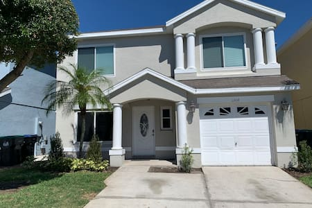 Modern Home w/Private Pool 10mi from Disney
