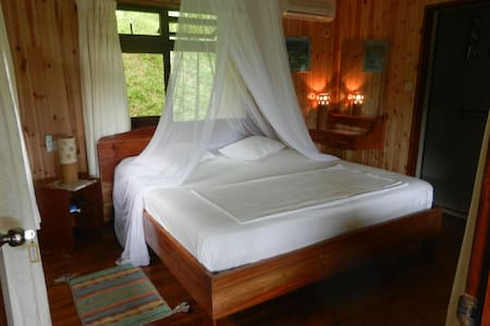 Room in selfcatering house La Digue - Casa