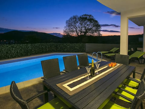 Villa Croatia Sea View