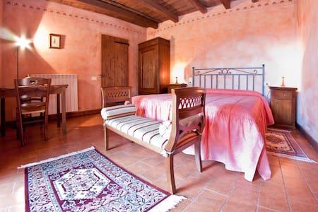B&B room in Tuscany countryside - Cetona - Bed & Breakfast