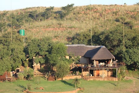 Exclusive Game Lodge - Wag n Bietjie Lodge