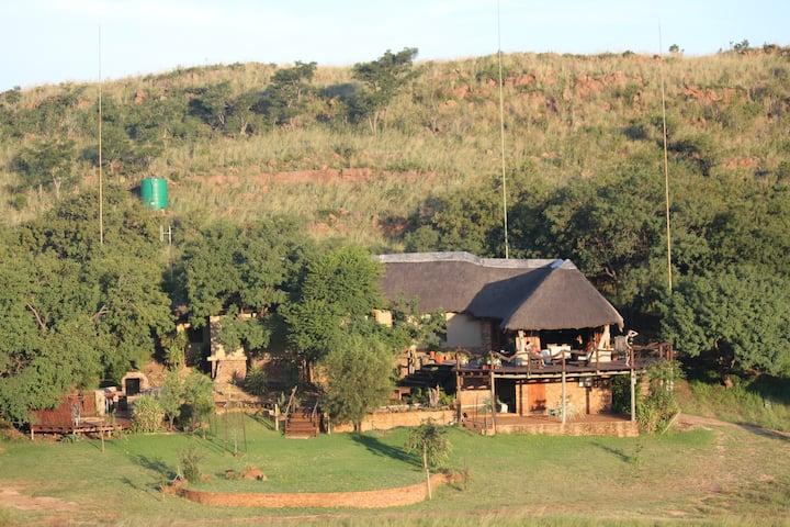 Exclusive Game Lodge - Wag n Bietjie Lodge