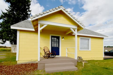 Coffee Klatch Cottages - Yellow