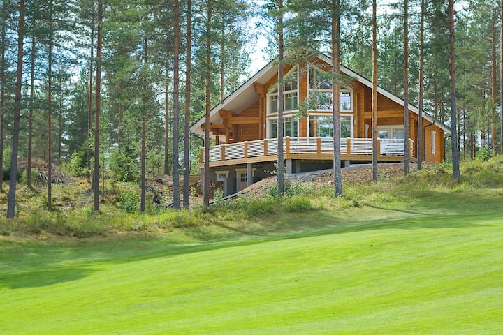New Log Villa Sofia in Golf Club