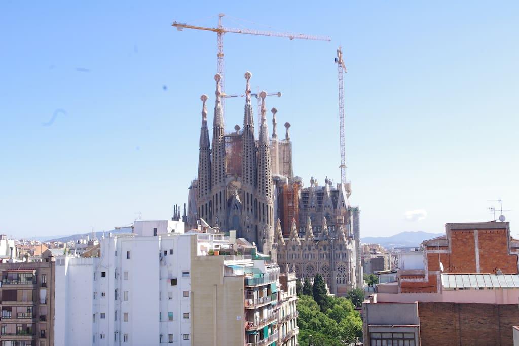 Unique view on Sagrada Familia from (8th floor with no vis-à-vis)