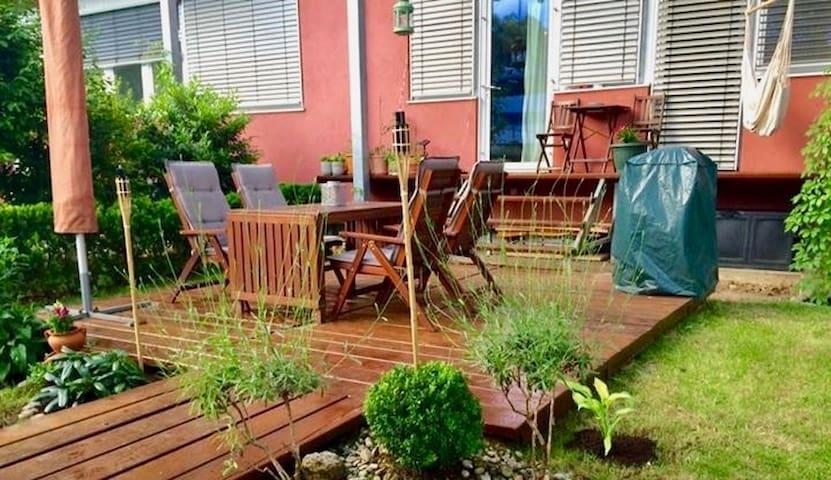 cosy room in quiet-located apartment with garden - Graz - Lejlighed