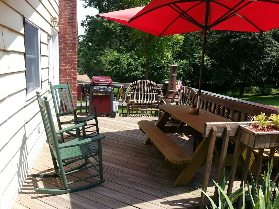 Outdoor BBQ grille and dining