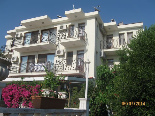 Room1 for 2 people w/ garden view - Fethiye - Apartamento