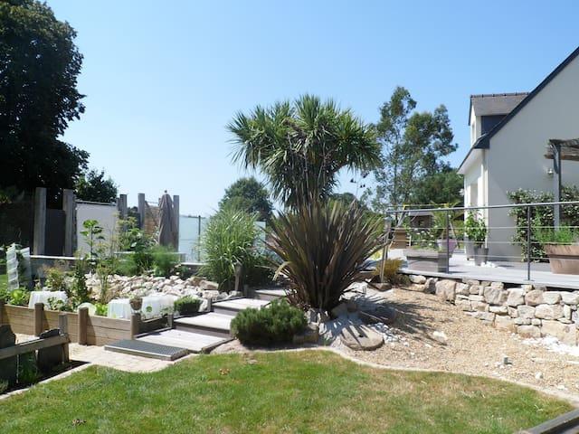 maison avec piscine ext chauffé - sainte marie - Huis