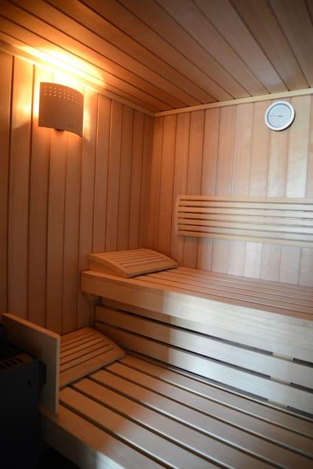 2-3 persoons sauna, EXCL. Badjassen