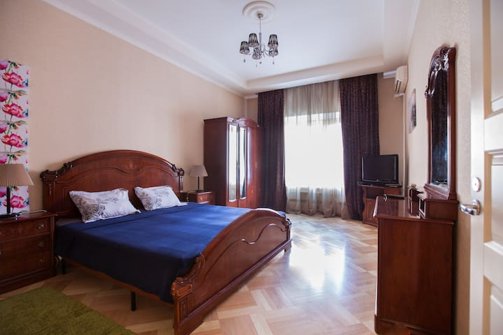 Spacious flat 1 min from m. Belorusskaya - Москва - 公寓