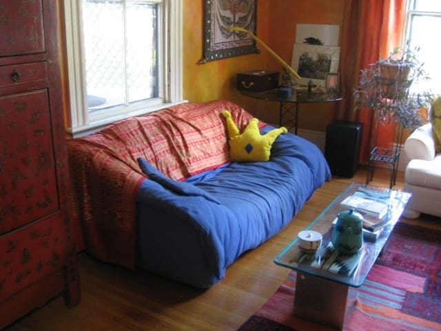Sofa-isticated Basic - Somerville - Apartmen