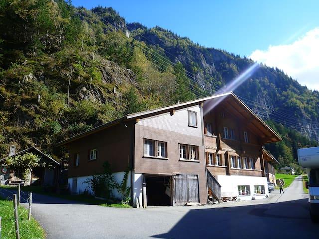 Ferienwohnung in den Bergen, Guttannen - Guttannen - Wohnung