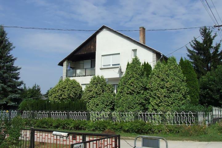 Lake Balaton, Hungary, apartman  - Balatonfûzfõ - Haus