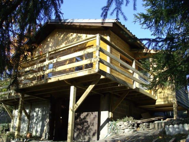 Pyrénées, chalet dans les arbres  - Rodome - Chatka w górach