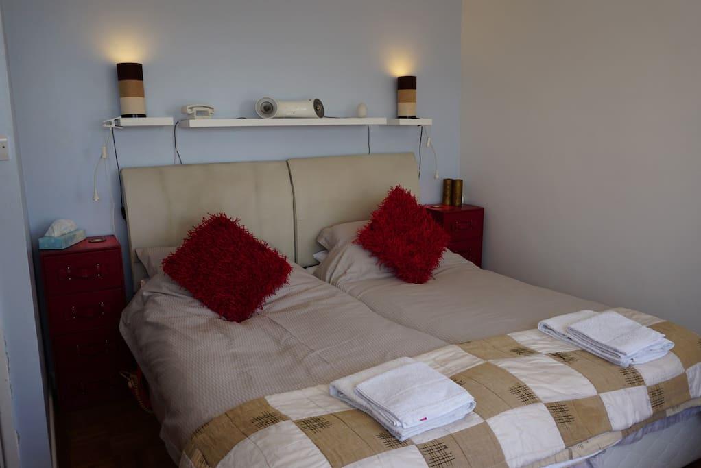 Comfy Tempur™ Twin beds