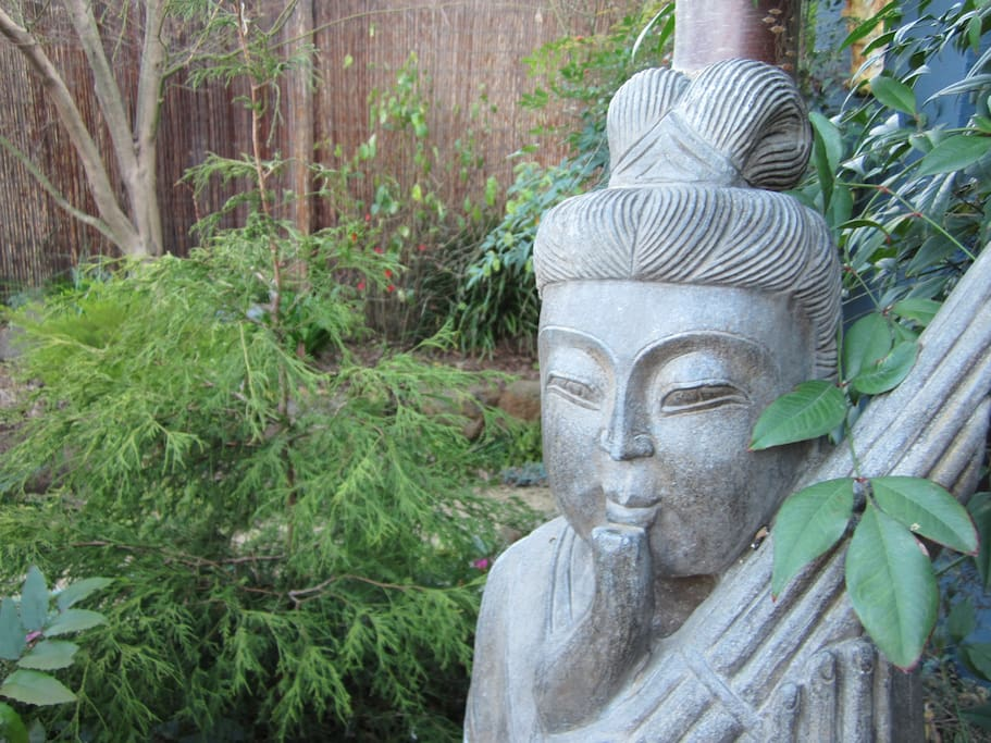 The peaceful Zen front garden.