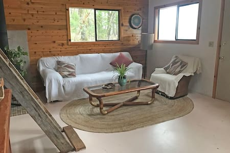 One River Cabin, sleeps 8 on 100 acres of Forest